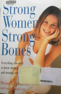 Cover of 2000 UK edition of Strong Women Strong Bones